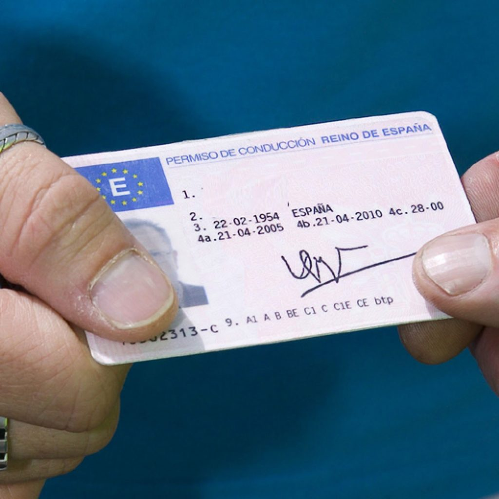 How to change a UK driving licence to a Spanish driving licence