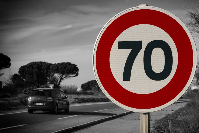 Notification of a fixed traffic camera in Spain is legal
